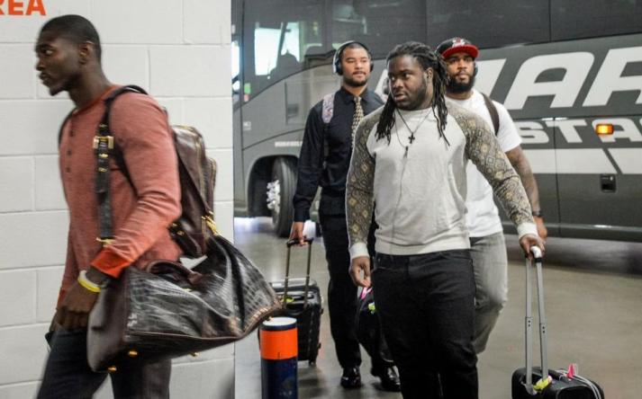 eddie lacy arrives for denver game